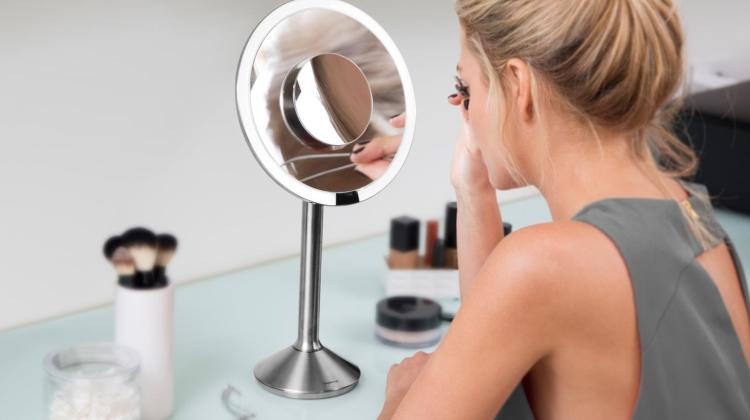 Simplehuman Magnifying Sensor Mirror